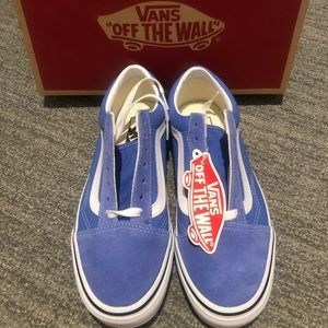 Brand new with tags vans **on sale til midnight!**